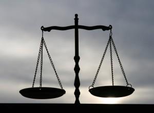 bilancia-giustizia-e1453105851388